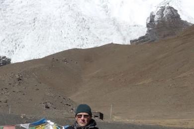 der-Gletscher-des-Nojin-Gangsang-Ri-(7191m),-fotografiert-vom-Pass-Karo-La-(5067m)
