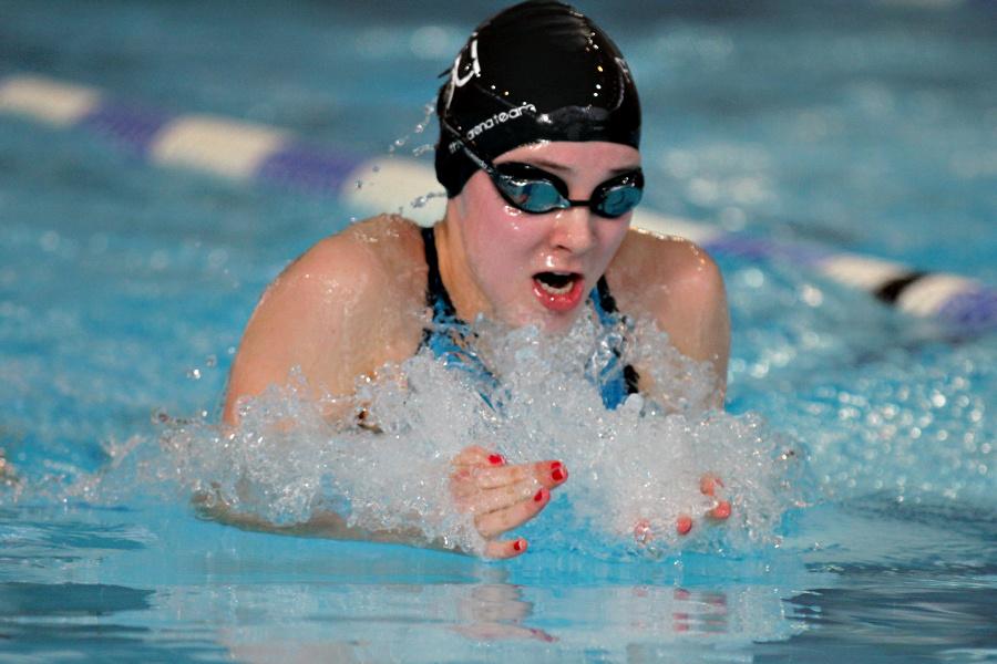 Schwimmerin Stella Neuhaus mit Höhentraining zur DM